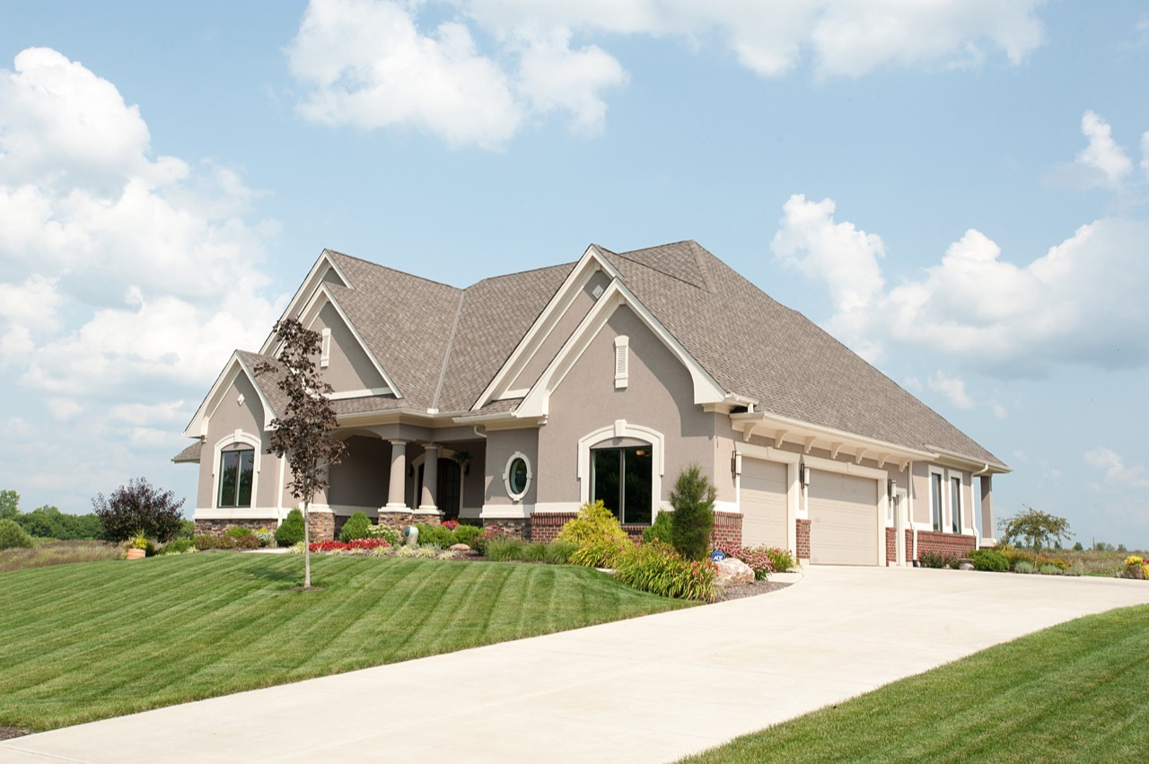Traditional custom built ranch home in dayton ohio for Build dream home